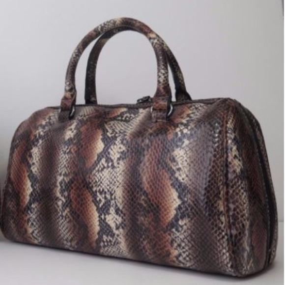 986a421a0d4b A armani exchange bags armani exchange snakeskin print satchel jpg 580x580 Armani  exchange satchel